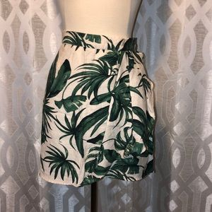 Palm tree patterned mini skirt!